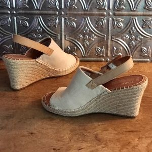 0ac330212223 Toms Shoes - NWOT Toms Natural Oxford Monica Wedges 🌴